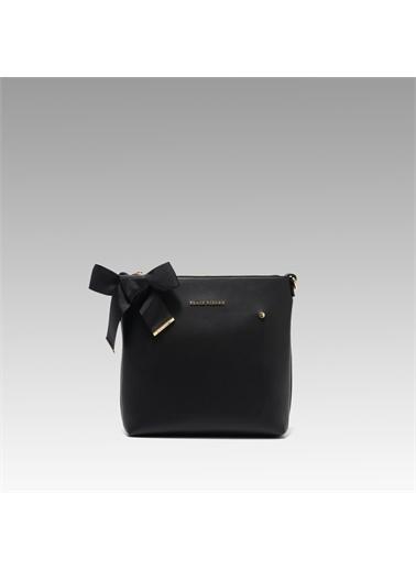 Black Ribbon Fermuarlı Çapraz Çanta Siyah